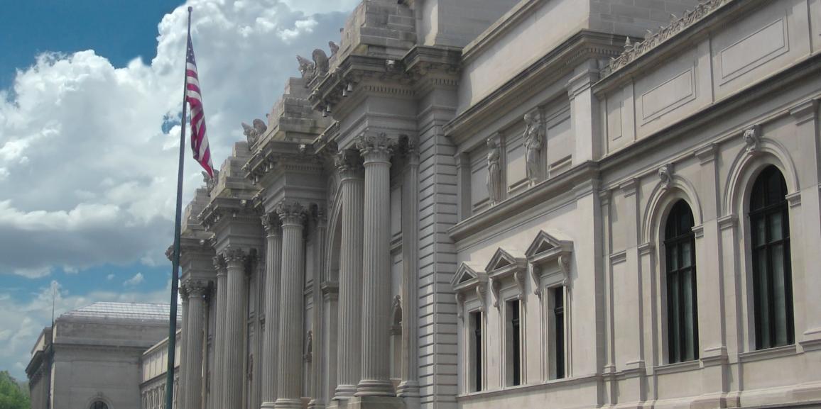 Neuf conteneurs transportés pour le musée métropolitaine de New York.